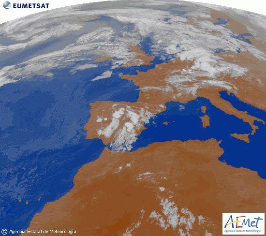 El tiempo del viernes: Lluvia en el interior con aumento de las temperaturas en el norte. En Pamplona calor en el primer encierro.