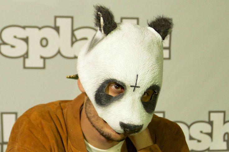 """In """"Unsere Zeit ist jetzt"""" steht der Rapper mit der Pandamaske im Mittelpunkt. Nun ist ein neuer Trailer zu dem Streifen erschienen."""