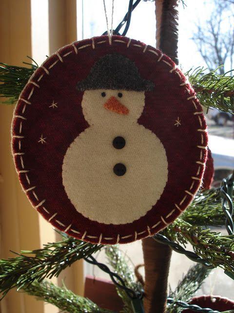 TDIPT MERCANTILE SNEAK PEEK----- WOOL APPLIQUE CHRISTMAS ORNAMENTS