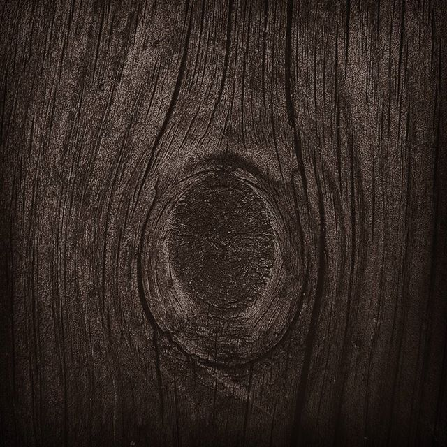 Love the texture..strong, warm and soft at the same time..💜 #wood #seekingbeauty #senses #loveit #eye_for_earth #warmth #naturalbeauty #nature_perfection #heart_imprint #old #oldstyle #fotocatchers #ig_namaste #ig_worldclub #photooftheday #sombrescapes #countryside #eyecatching #inthemoment #home #earth_shots #earth #mood #texture #igdaily #norway_photolovers #norway #norges_fotogalleri