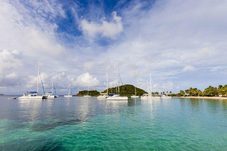 São Vicente e Granadinas. Essas ilhas caribenhas tem praias desertas e paradisíacas para explorar, longe dos destinos badalados do Caribe. Mas há que ficar atento: ficam na rota dos furacões caribenhos.  Fotografia: Getty Images.