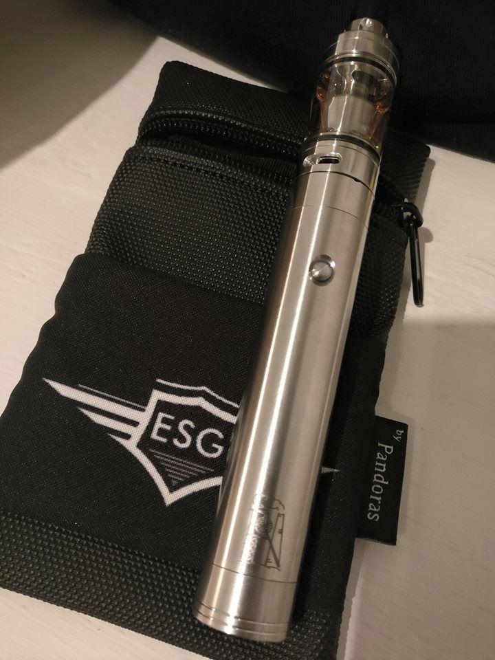 Black Silok pouch V1.5 ESG logo available on http://www.esmokeguru.com/en/supplies/varius-supplies/cases-necklaces.html