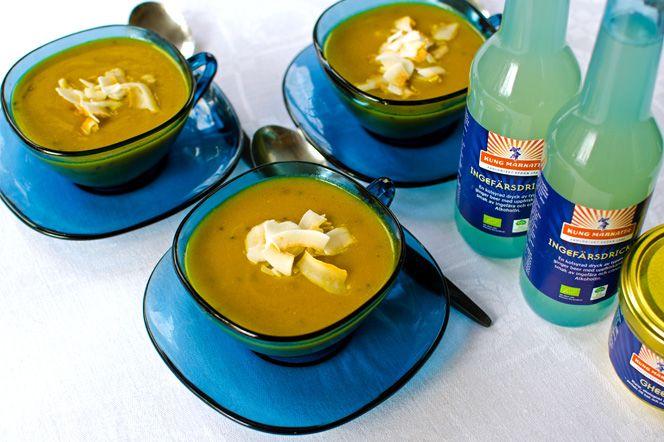 Indisk pumpasoppa med kokos  En sötaktig, krämig vegetarisk pumpasoppa med indiska smaker, inspirerad av ayurvedisk kokkonst.