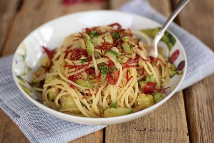 Spaghetti aglio olio zucchine e bresaola ricetta
