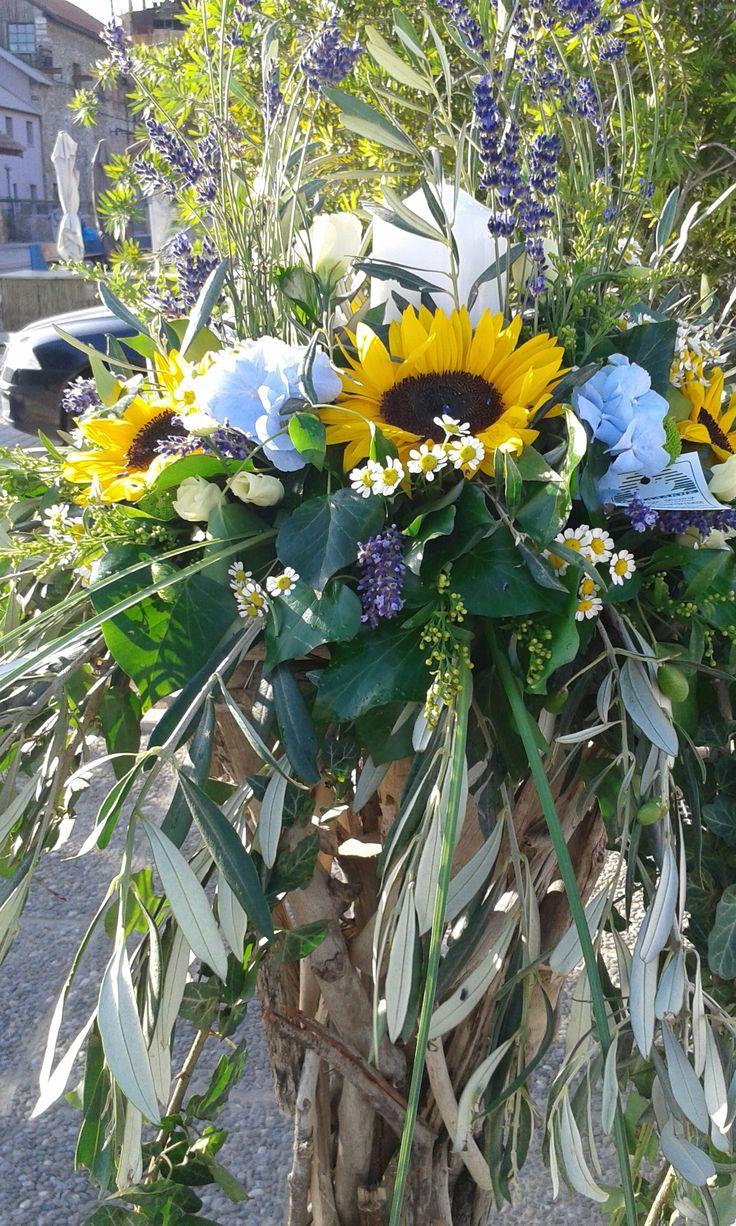 wedding in Greece  by Flowers Papadakis  info@flowers4u.gr