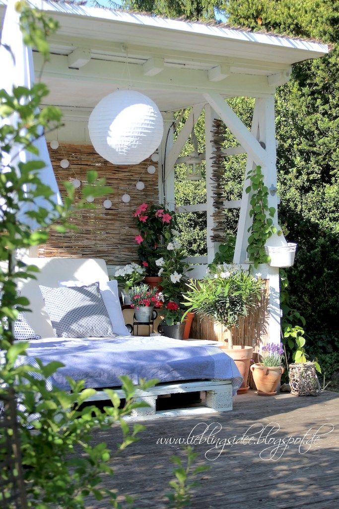 Unique Lieblingsidee Gartenideen Palettenlounge im Gartenhaus Mehr auf dem Blog Mediterrane Gartendekoration