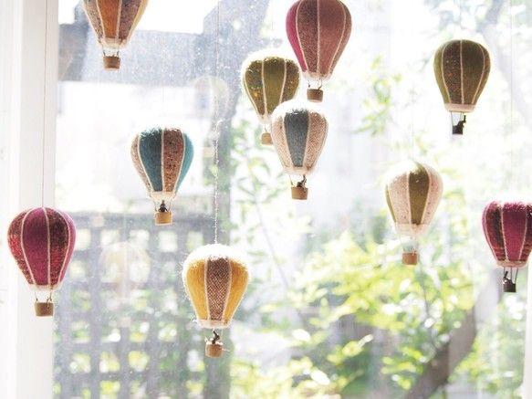 世界をぐるりと見渡せば… フェルトの気球 黄色×茶色ツイード