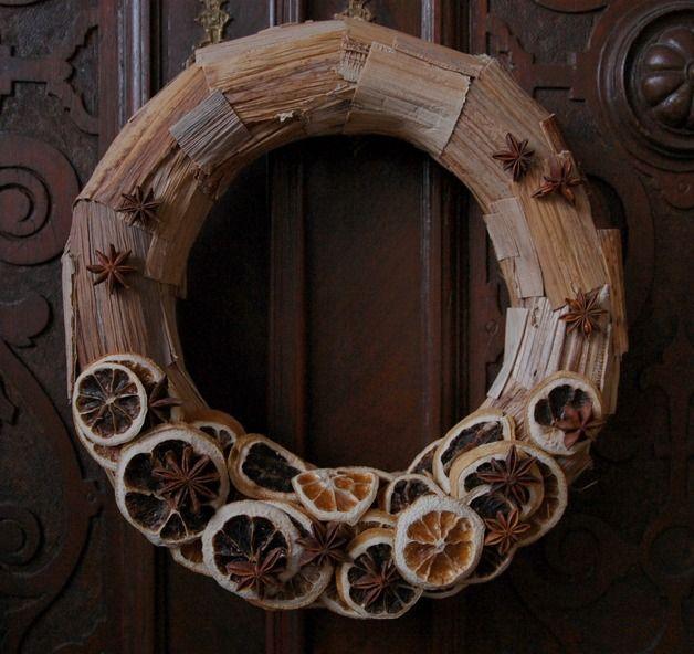 handmade Christmas decor made of natural materials by Galecka Dekoracje