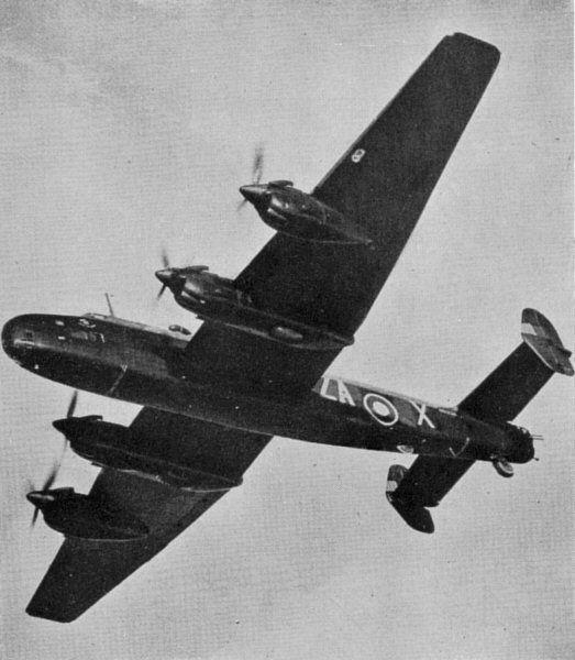 Handley Page Halifax B.II Series I (Special) W1057, ZA-X, no. 10 Squadron RAF (en). Durant les mois d'avril et de mai 1942, cet avion prit part à plusieurs raids sur le croiseur Tirpitz à Fættenfjord (en) près de Trondheim en Norvège.