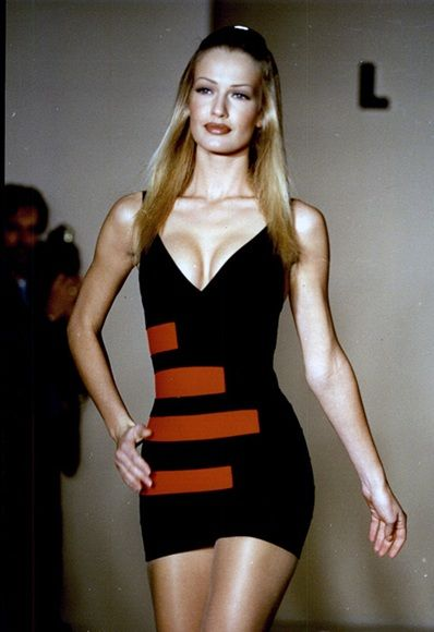 MOTHER'S DAY EXPLAINED, THROUGH 10 WOW DRESSES ON SUPERMODEL MUMS
