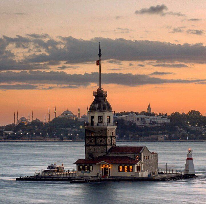 The pearl of the Bosphorus, Maiden's Tower, Uskudar, Istanbul