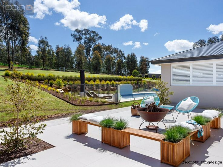 Love this outdoor area! #outdoorliving #family #home #iconobuildingdesign #australianhomes #exterior #firepit