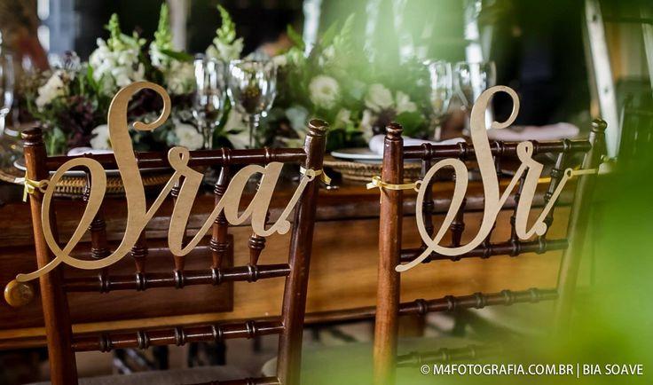 Casamento realizado no Spazio Tramonti, em Indaiatuba, São Paulo. Ao ar livre e cheio de elegância, com tons marsala e dourado.   Placas de cadeira Sr&Sra >> htto://loja.2wed.com.br