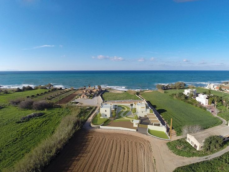Pigi villa rental - Four luxurious, private residences with private beach 50 meters away