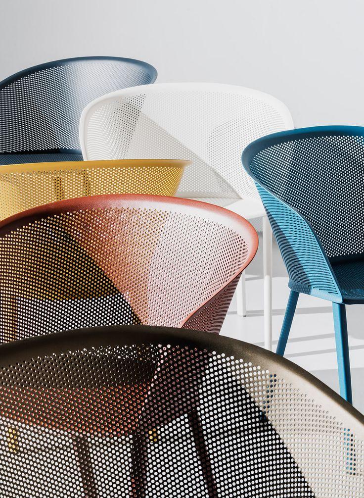 Utiliza la misma silla en distintos colores para personalizar aún más tus espacios.