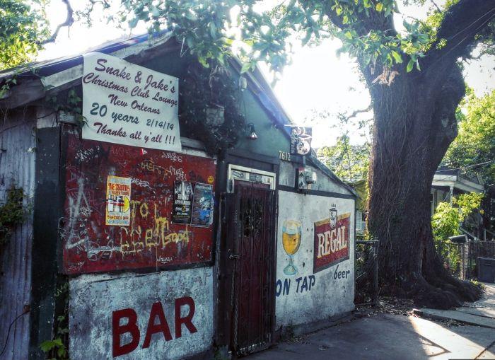 13) Snake and Jakes Christmas Club Lounge, 7612 Oak Street