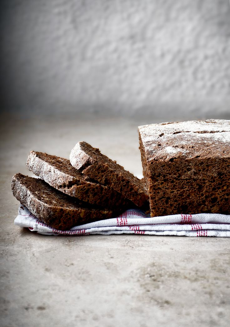 Easy Overnight Dark Rye Bread