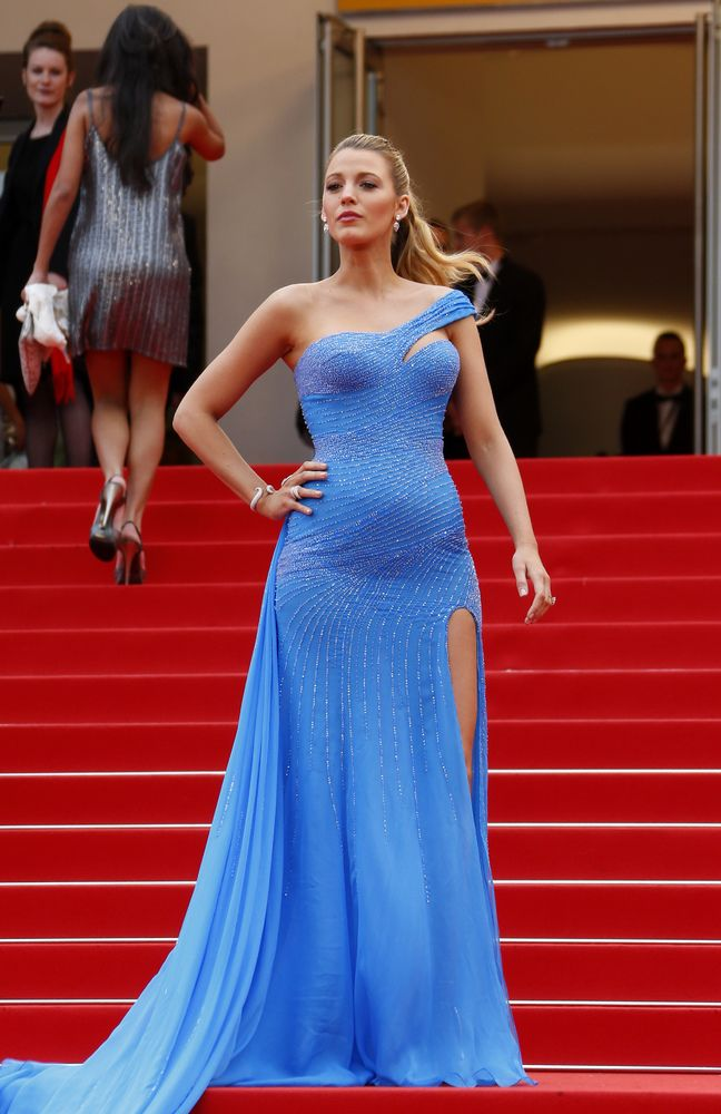 PHOTOS. Blake Lively, star incontestée du tapis rouge du Festival de Cannes 2016