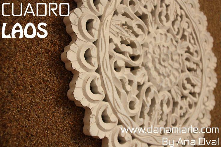 Bonito cuadro de arena, con un mandala tallado en madera de color blanco, cómo motivo central.  Mide (60cm x 60cm). Lo podéis encontrar en www.danamiarte.com #creaciones #danamiarte #diseño #cuadros #arena #original #exclusivos #arte #solidario #home #decoración #interiores #MadeinSpain #ByAnaOval