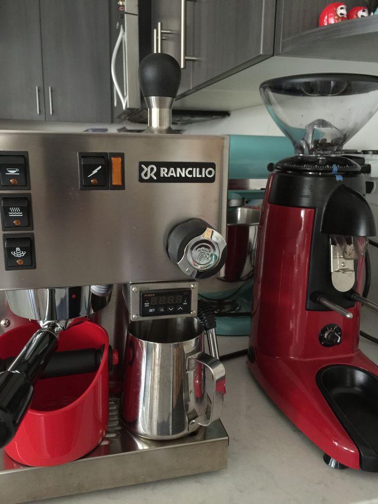 Rancilio Silvia v4 with PID and compak k3 espresso grinder