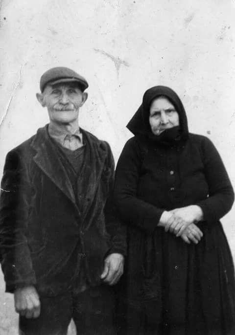 Anziana coppia di Orune