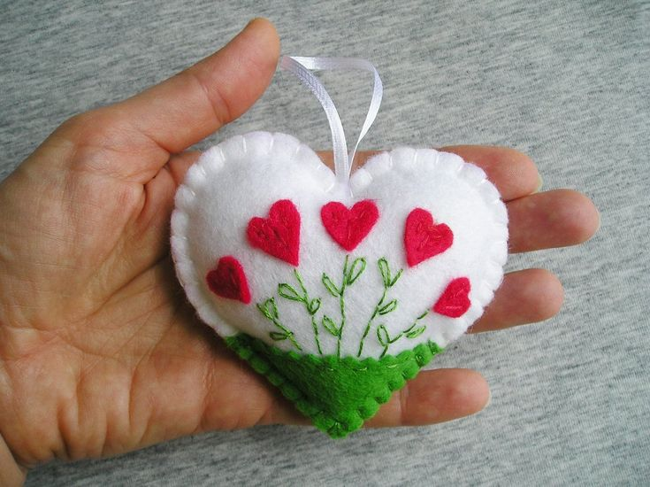 Felt Heart – Felt Ornament – Felt Flowers – Red heart – White Heart -Valentines Day Gift – Easter Decor – Handmade Embroidery – Gift Idea