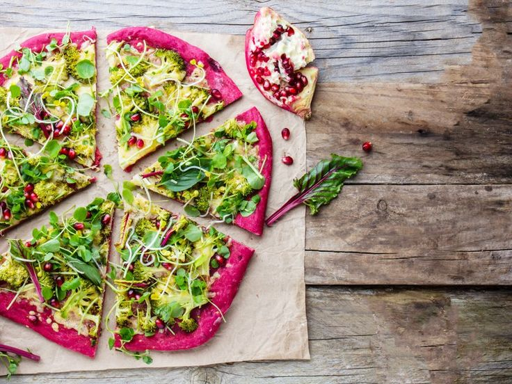 Pink Pizza: die leckere Low-Carb-Alternative mit Roter Bete