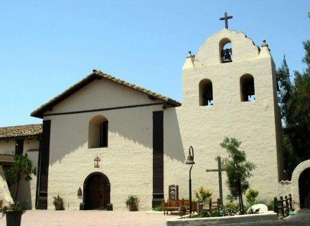 Mision Santa Inés en el pueblo danés de Solvang cerca de Santa Barbara