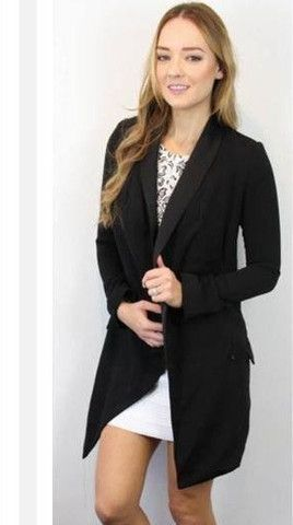 Wide range of Women Jackets and blazers available at Billy J Online Women Fashion Store. Choose the best one and order now.