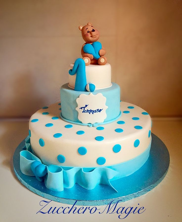 Teddy bear cake for a first birthday