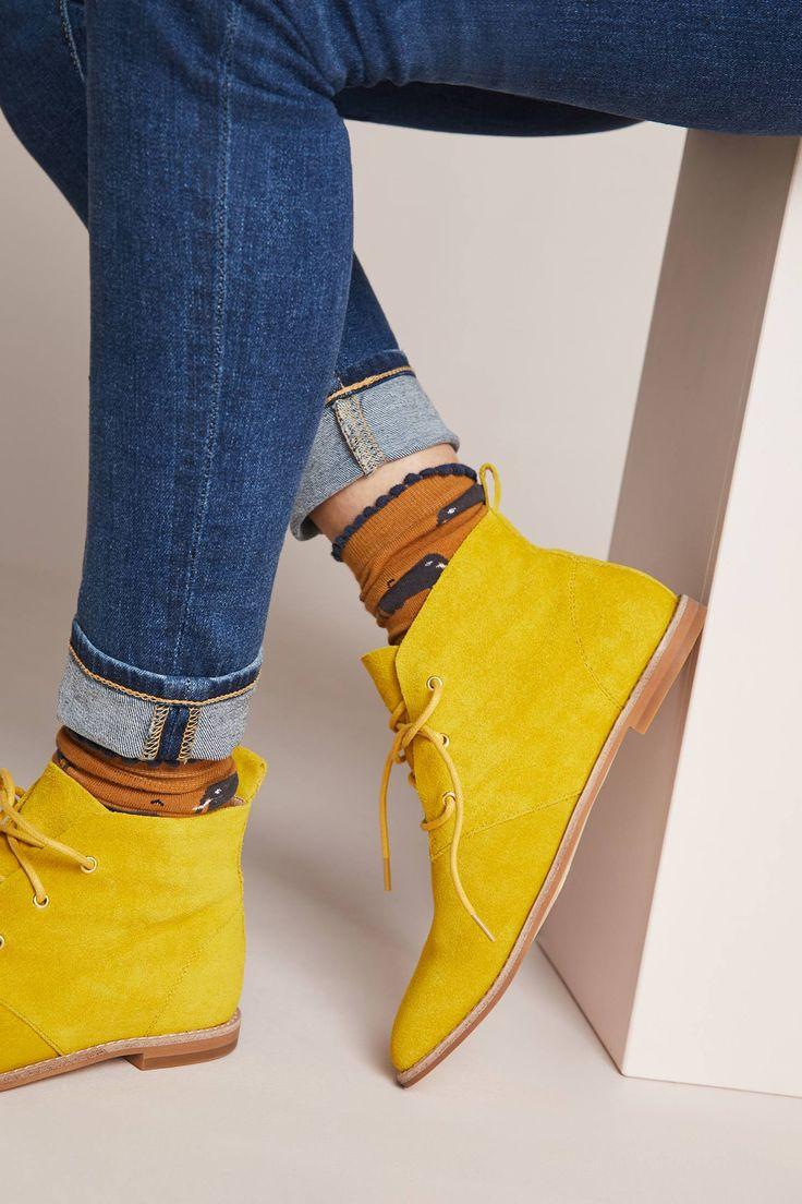 Bill Blass Maggie Lace-Up Desert Boot