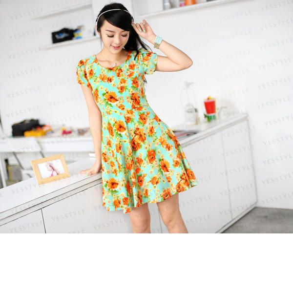 59 Seconds Floral Short-Sleeved Dress (in navy or green) - $24