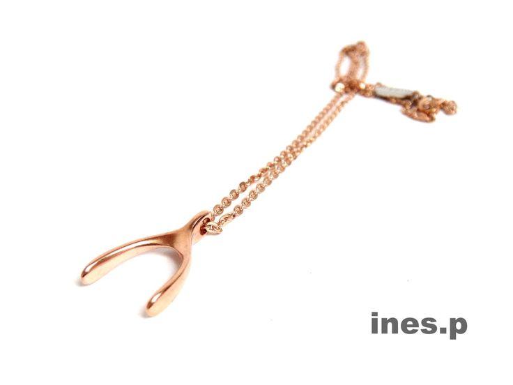 Wir sind hin und weg und wissen schon jetzt, was wir im Frühjahr am liebsten tragen!  Kette jeweils 39 Euro  http://www.inesp.de/shop-1/halsketten/