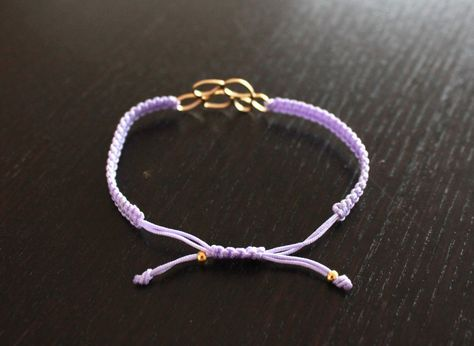 How to make an adjustable knot!!  (It's actually for a full macrame bracelet, but the adjustable knot is all I wanted.)