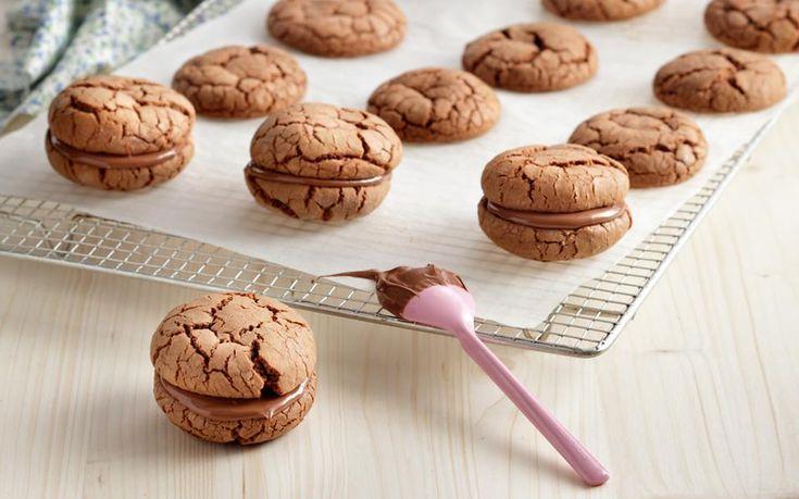 Σπεύδουμε στα περίπτερα για να προμηθευτούμε το Ζάχαρη & Αλεύρι Μαρτίου-Απριλίου προτού εξαντληθεί. Δώρο μια συνταγή από το έξτρα τεύχος του περιοδικού με θέμα: Μπισκότα, κουλούρια, μπάρες με σοκολάτα. Χρειάζονται μόνο 10 λεπτά ψήσιμο!
