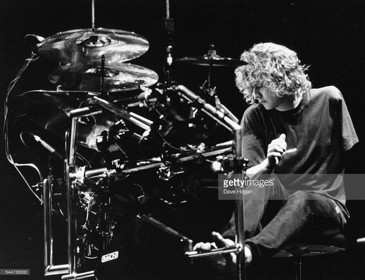 Best 25+ Rick Allen Drummer Ideas On Pinterest