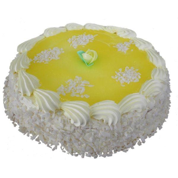 Torta Lemon con pan di spagna bagnato al limone e farcito con crema, ricoperto con gelatina al limone e scaglie di cioccolato bianco. #surgelati di qualità a #Battipaglia dal 1993 Surgelati Russo.
