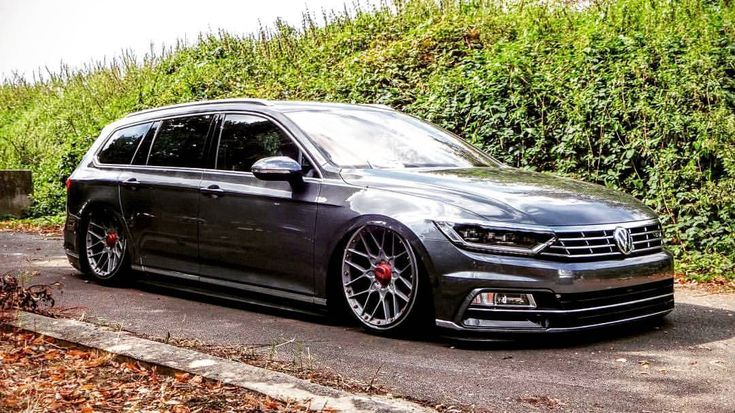 urotuning:  Just some Monday Maddness for you   Owner @stephan_calles   #passat #rollhard #rh #rollhardbelgianchapter #volkswagen #vw #vwpassat #bbs #airride   Via: @e46rabih