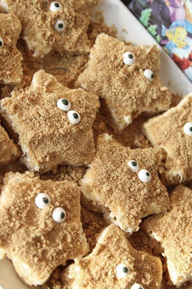 Super simple starfish rice krispie treats -- so cute!