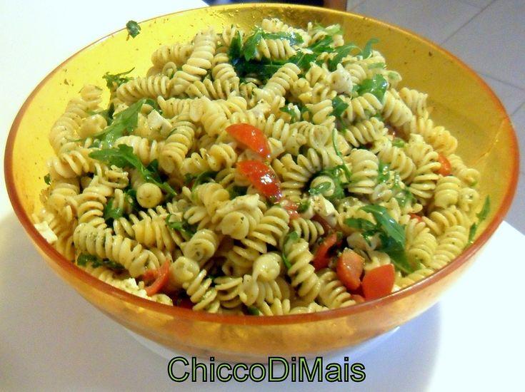 pasta fredda con pesto pomodorini e rucola  http://blog.giallozafferano.it/ilchiccodimais/pasta-fredda-con-pesto-pomodorini-e-rucola/