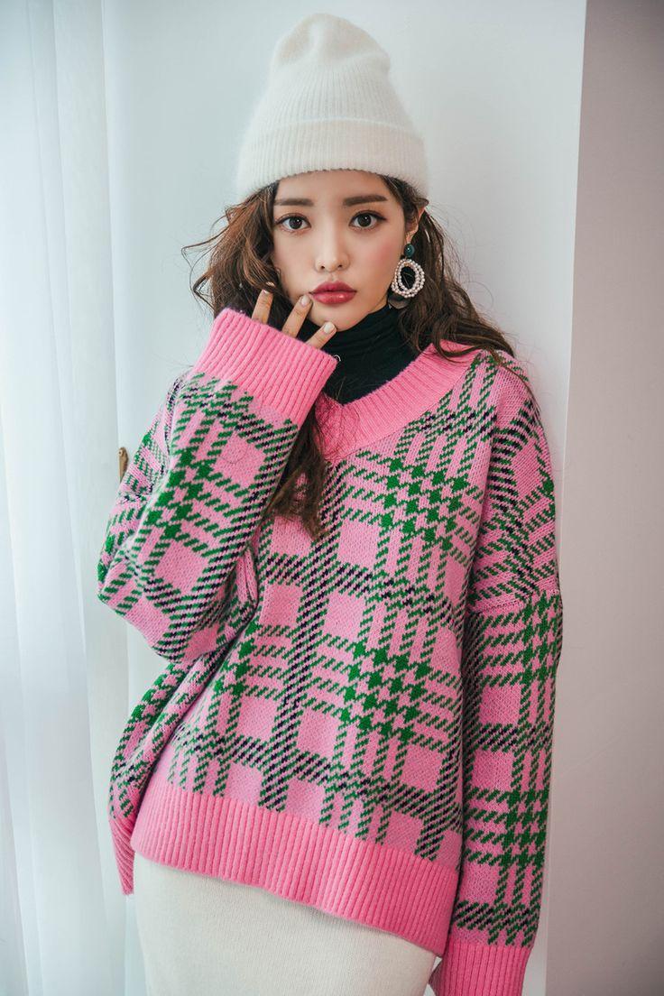 Bold Color Tartan Check V Neck Sweater CHLO.D.MANON   #pink #check #sweater #koreanfashion #kstyle #kfashion #dailylook #wintertrend