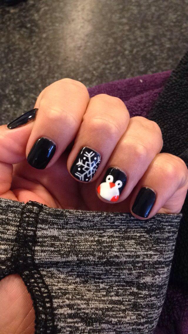 Penguin nails winter nails - http://amzn.to/2iZnRSz