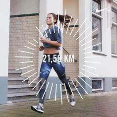 Droom je al een tijdje van die magische 21,1 km maar weet je niet waar te beginnen? Ren je regelmatig 10 km, maar lijkt het dubbele haast onbereikbaar? Of gaat keer op keer na 15 het lampje uit? Blijf dan even plakken! Want vandaag kom ik met een hardloopschema zodat je kunt trainen voor een halve marathon! Dit schema is bedoeld voor iedereen die momenteel redelijk gemakkelijk een afstand van 10 km of verder kan afleggen (uiteraard zonder wandelen tussendoor). Wil je vanaf 0 of 5 km…