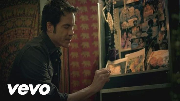 "Train - ""Bruises"" ( ft. Ashley Monroe)"