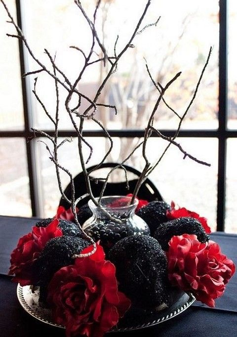 45 Stunning Halloween Wedding Centerpieces | HappyWedd.com