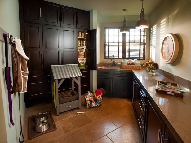 This is a laundry room!!! Love the color of these cabinets.