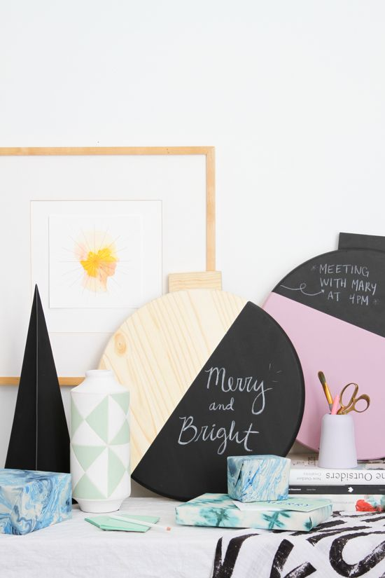 Holiday DIY // Giant Color Blocked Wall Ornament Message Board #sponsored @homedepot
