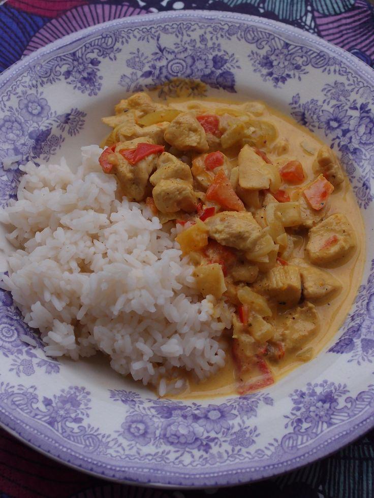 Om du är sugen på en riktigt god och kryddstark, indisk kycklingrätt ska du prova dagens recept som jag hittade inne på Matplatsen.