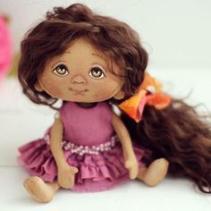 Друзья, доброго времени суток! Новый ребенок! Очень милая и нежная девочка! 17 см ростом, волосы из натуральной козочки, очень мягкие! Платье из хлопка, окрашенного вручную и вышито бисером! Малышка при маме!!!#yalodolls#doll#dollstagram#dolls#кукла#кукламалышка#куклыручнаяработа#куколка