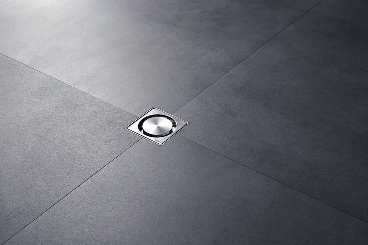 Minimal tasarıma sahip Geberit Yer Süzgeci sadece 80 x 80 mm'lik ölçüsüyle mevcut süzgeçlerden çok daha küçüktür.